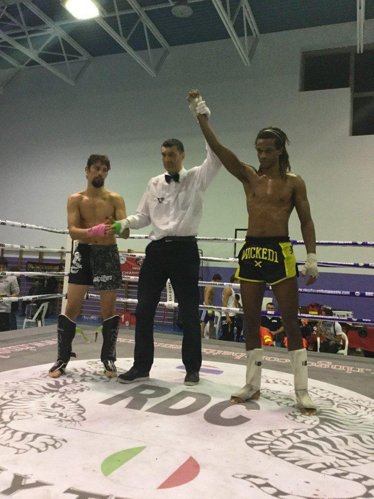 victoire combat boxe